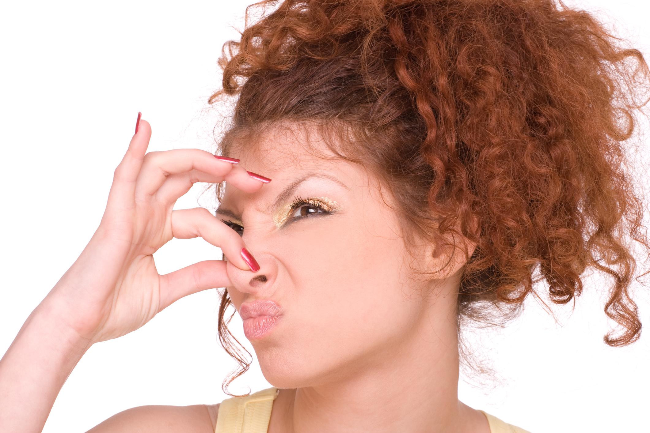 hogyan lehet meghatározni a szagot a szájból