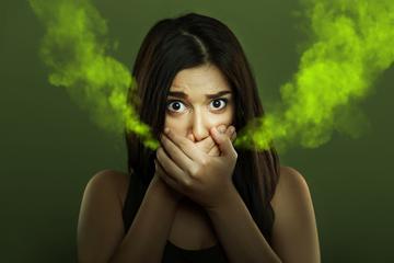 a száj nyálszaga okozza