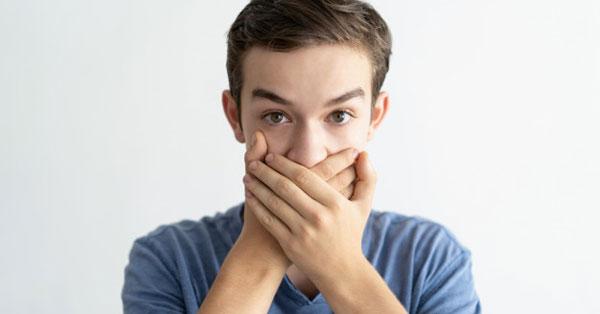A rossz lehelet egyik oka: a mandulakő