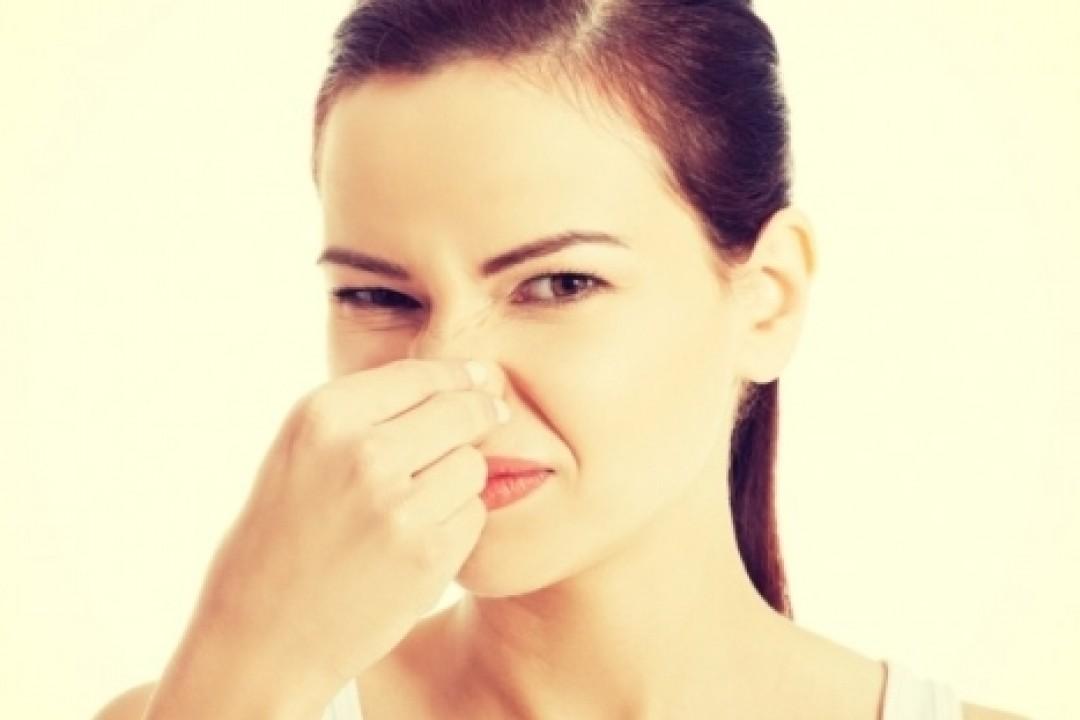 száj és orr szaga