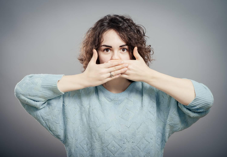 íz a szájban szag a szájból széklet szaga a száj okából és kezeléséből